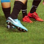 nieuwste nike voetbalschoenen rood en blauw